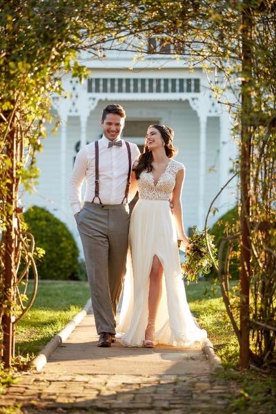 Jugar a disenar vestidos de novia