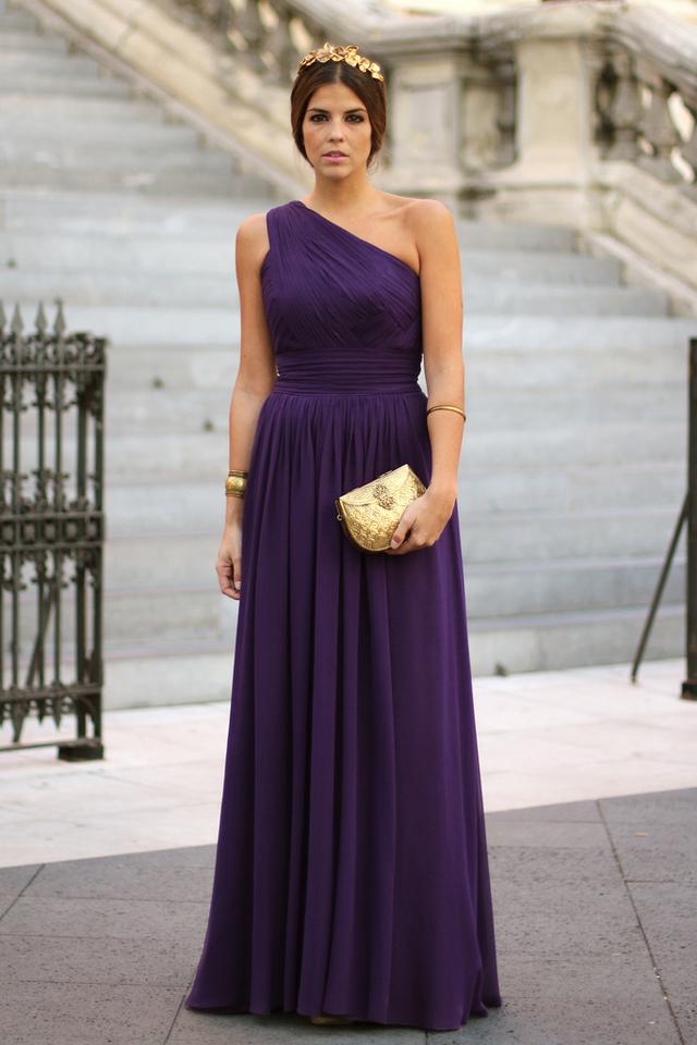 mitad de descuento 0cfea e8f0d Ultraviolet, color protagonista de los vestidos de las ...